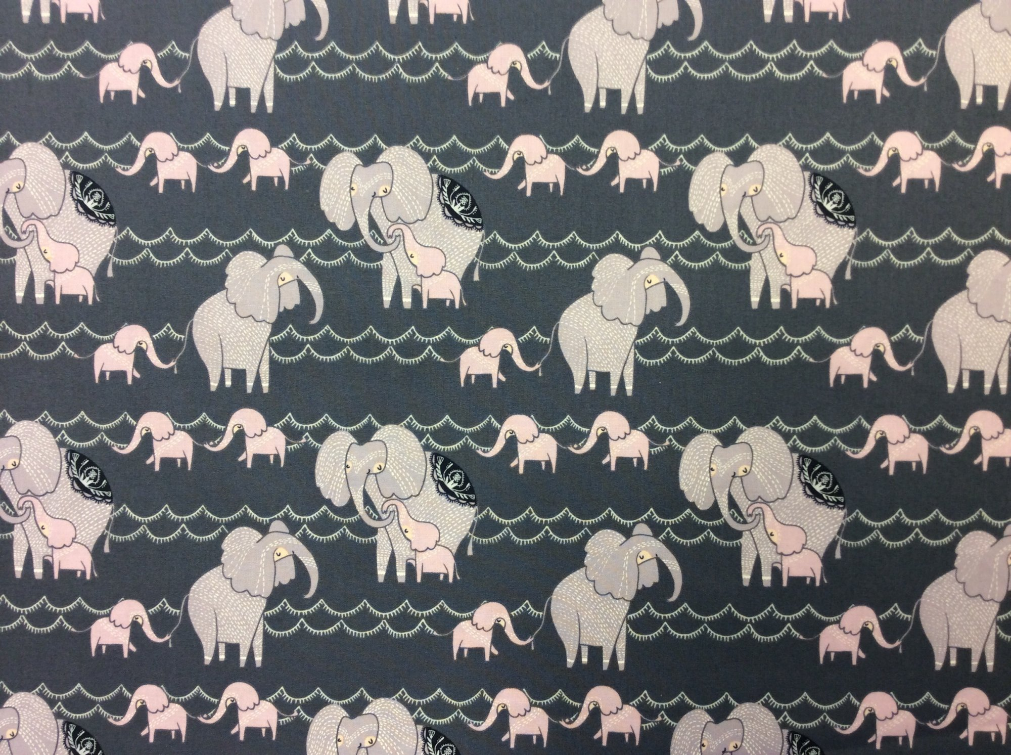 Elephants Retro Cotton Quilt Fabric FT126