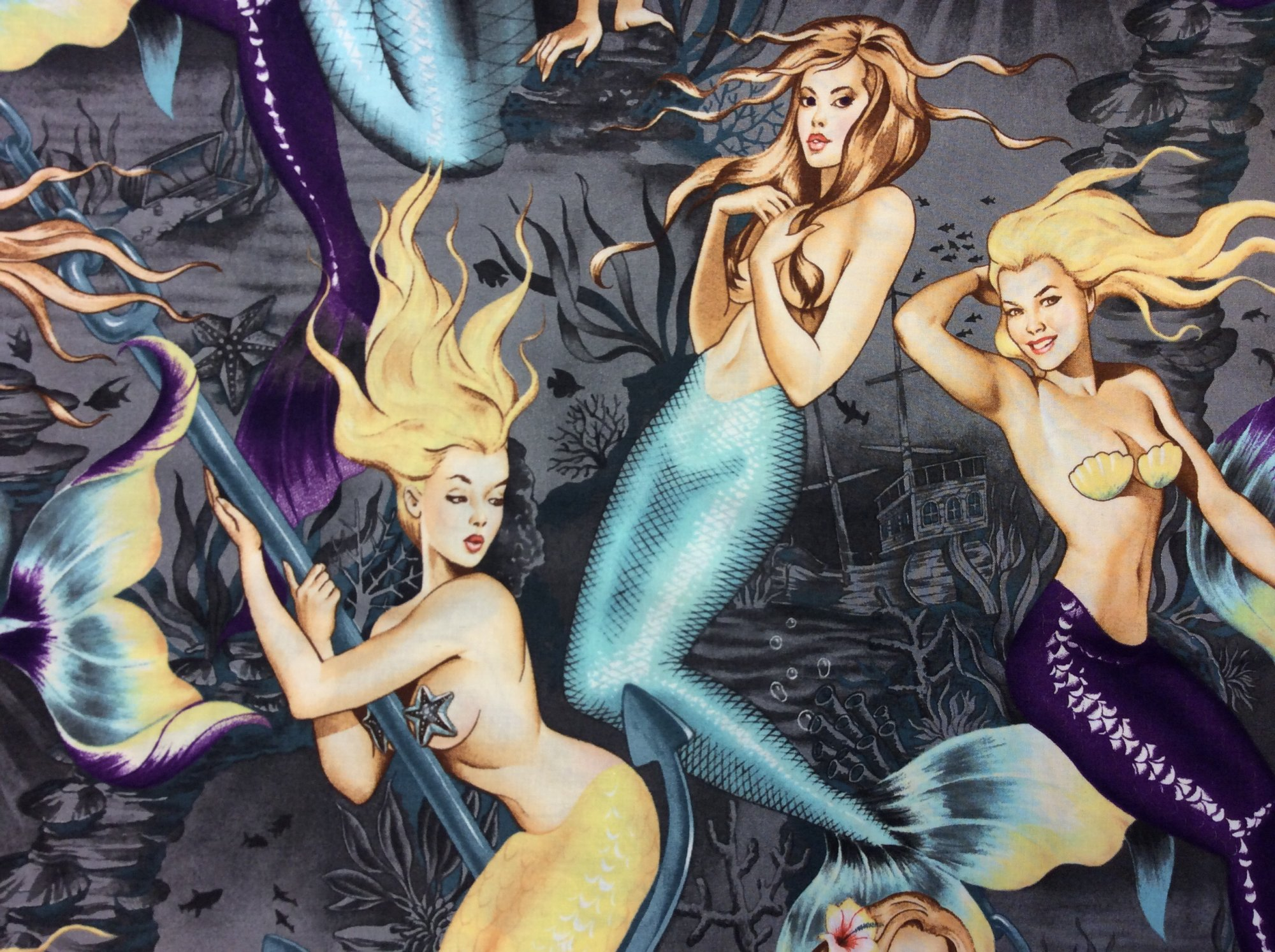 Sexy Pin Up Girls Sea Sirens Mermaid Hot Print Alexander Henry Cotton Fabric Quilt Fabric CR539