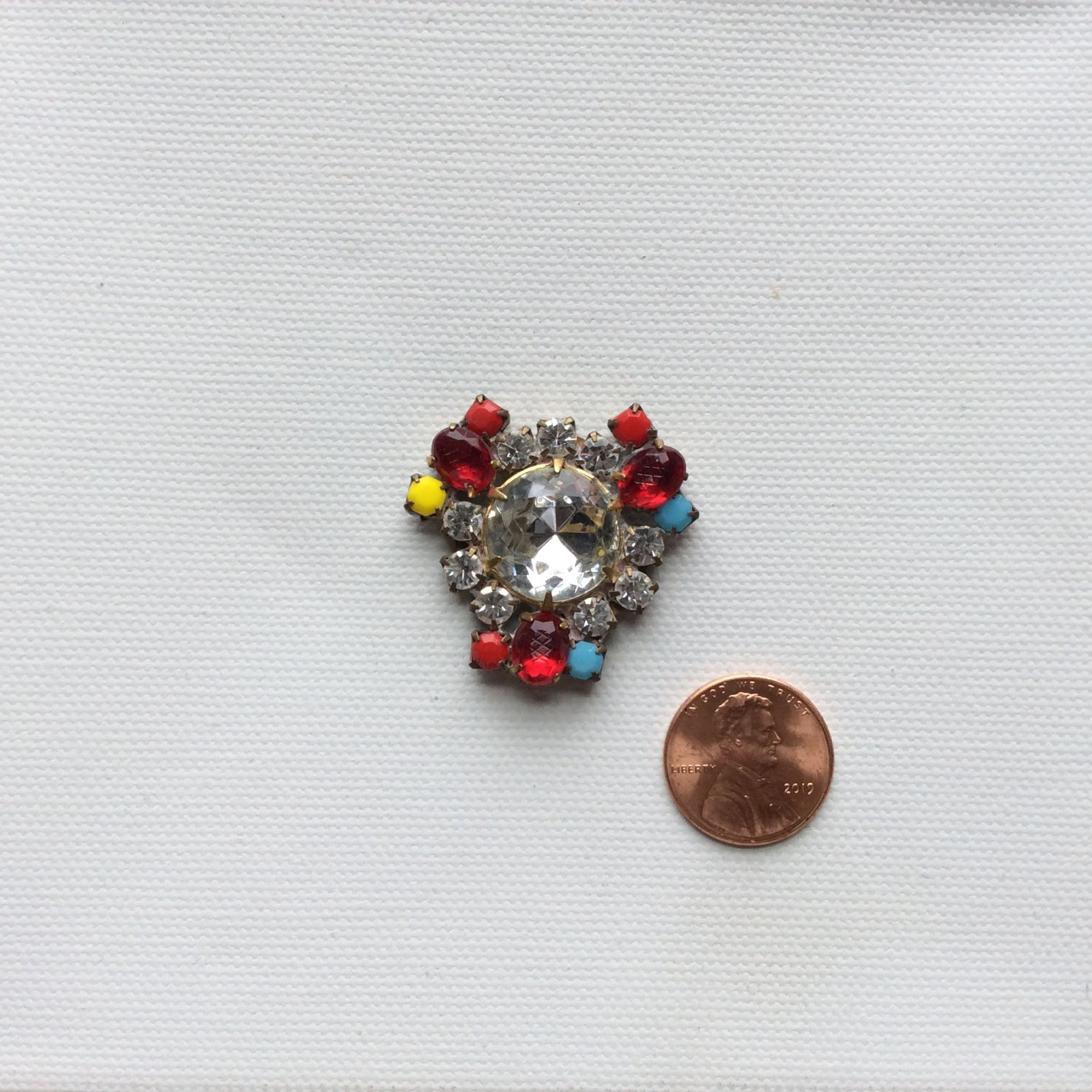 Vintage Czech Glass Rhinestone Jewelry Making Sew on Costume Jewelry Accent CZG037