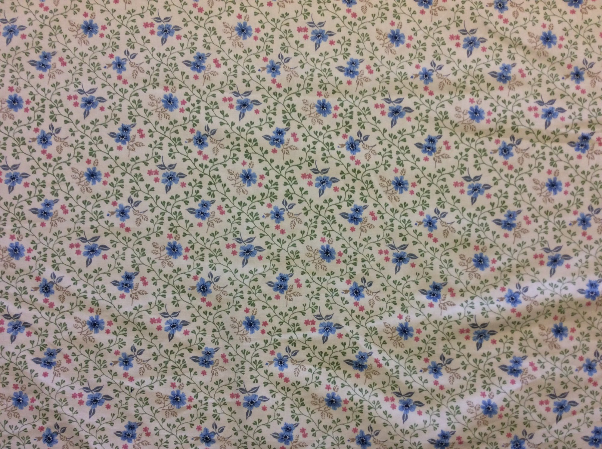 Vintage Cotton Light Weight Canvas Floral Calico Pastel Shabby Chic Country Ivy Flower Apparel Home Decor Fabric VTGL191A