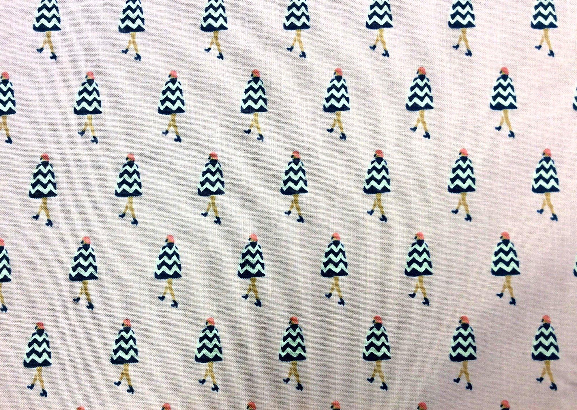 FAT QUARTER! Parisienne Ladies Sexy Lady Paris Fashion Cotton Quilt Fabric RPFFT154
