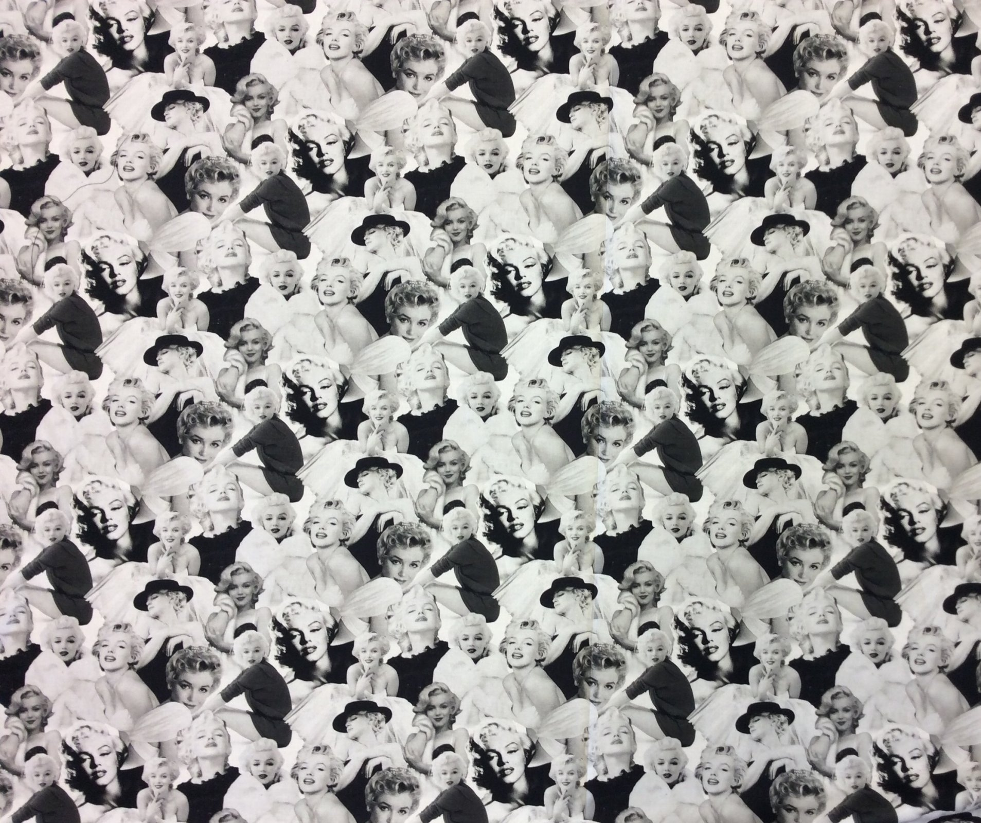 Marilyn Monroe Sexy Movie Star Silver Screen Starlet Cotton Quilt Fabric RK177