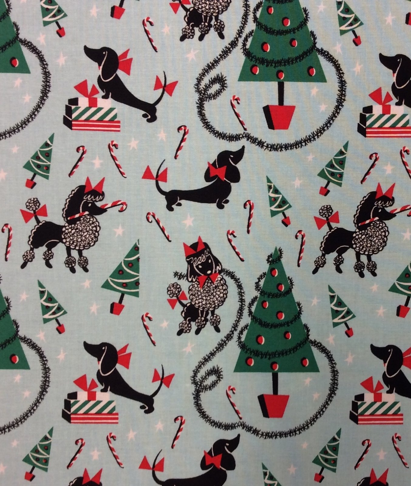 Canine Christmas Retro Puppy Dogs Christmas Trees Poodles Dachshunds Cotton Quilt Fabric MM128