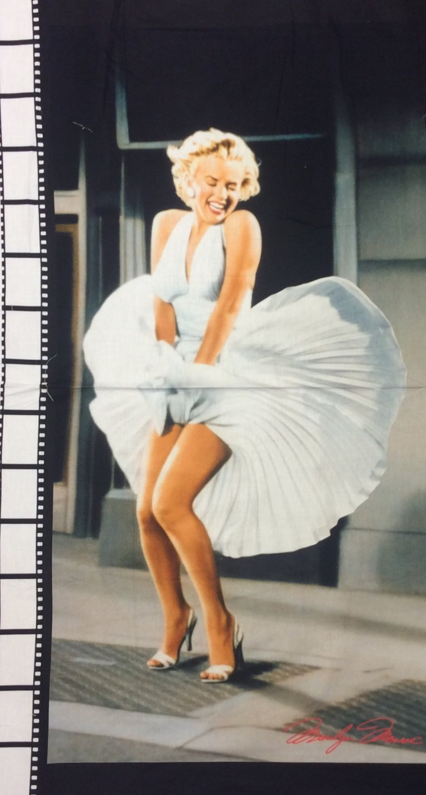 Marilyn Monroe The Dress Glamorous Sexy Starlet Movie Star Panel Cotton Quilt Fabric RK185