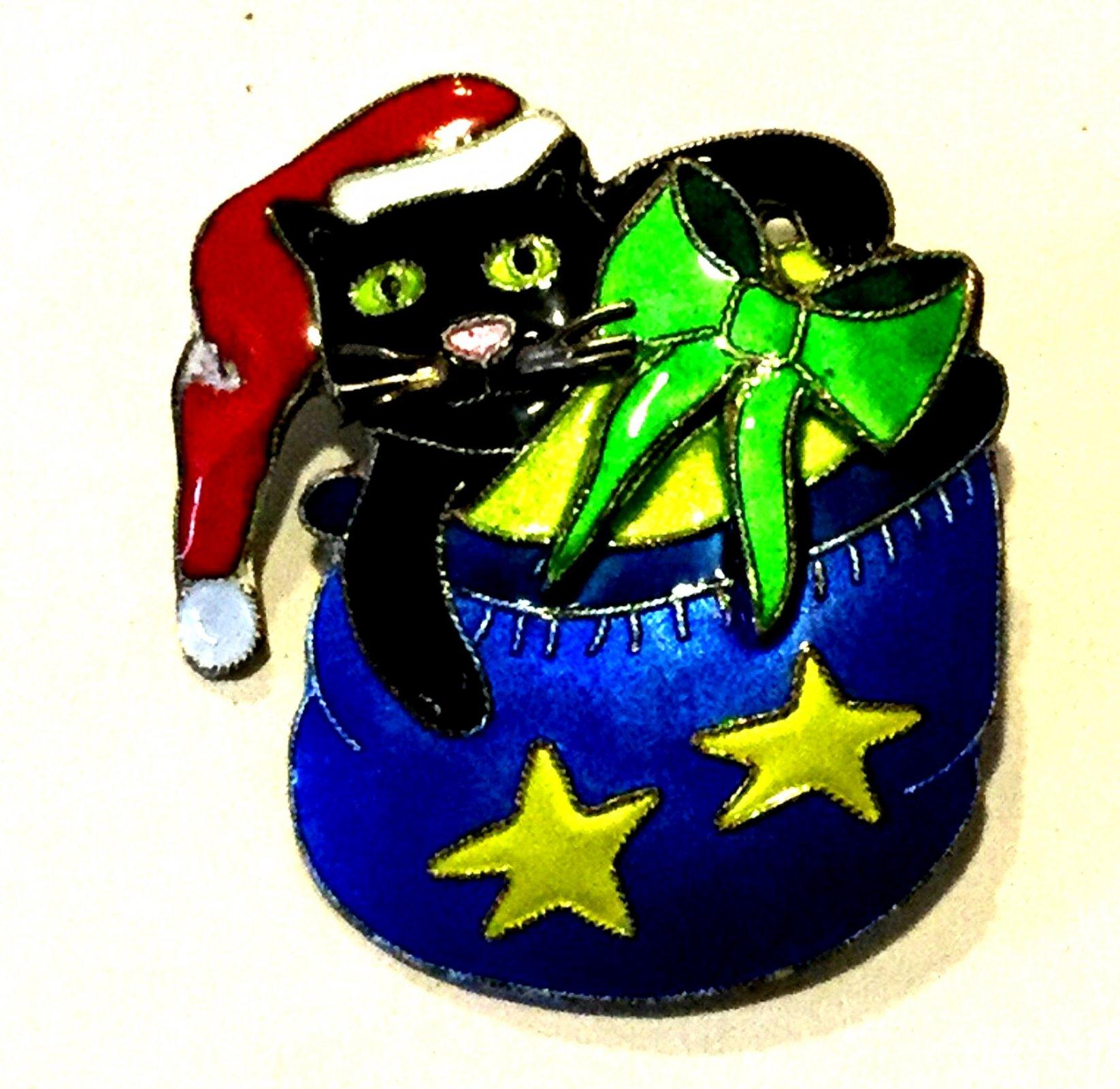 Christmas Kitty Cat Vintage Enamel on Copper Kitten Costume Jewelry Pin