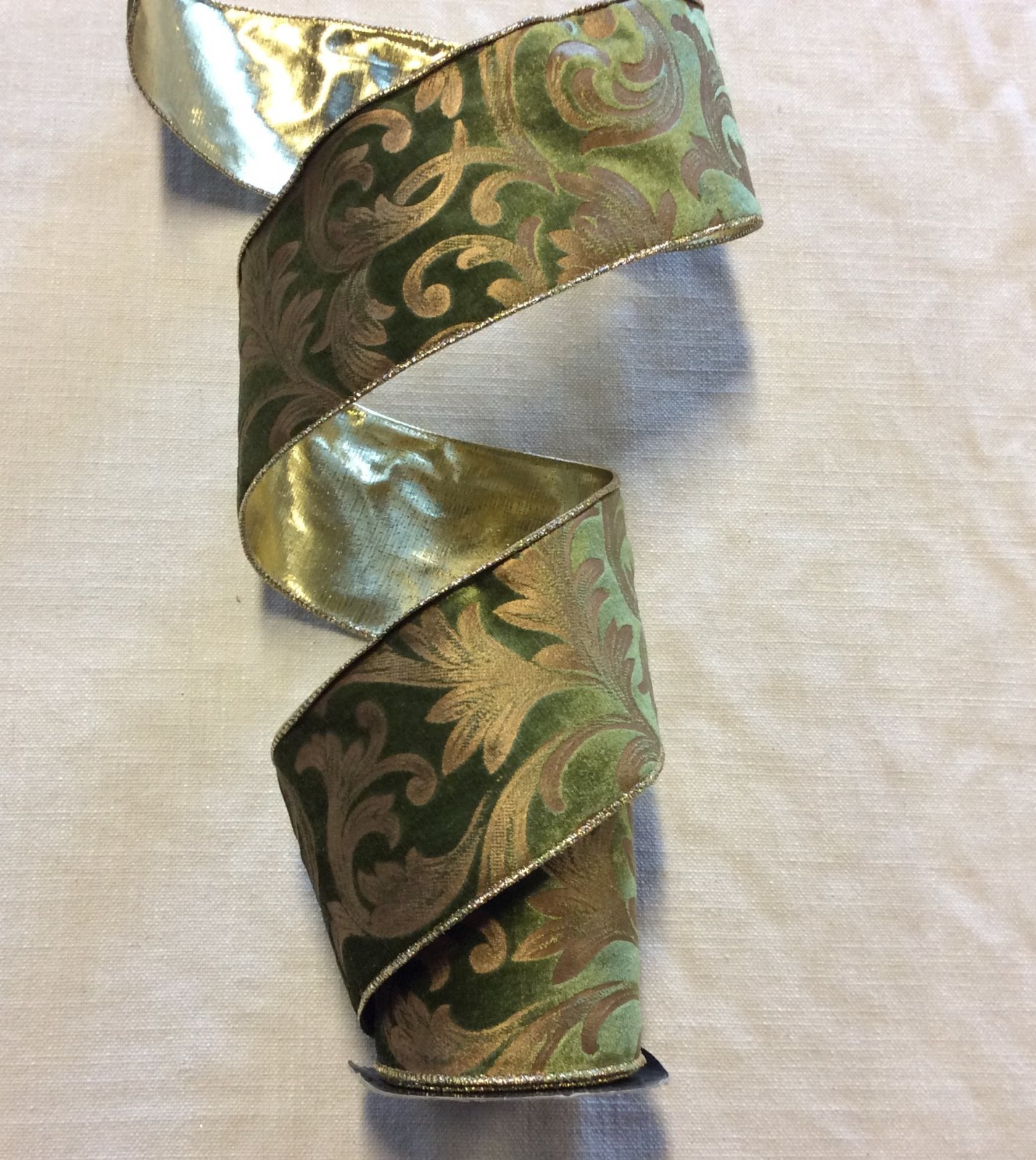Gorgeous Green Tone Velvet Gold Embossed Acanthus Leaf Reversible Gold Faux Silk Lame Wired Ribbon Trim RIB0128
