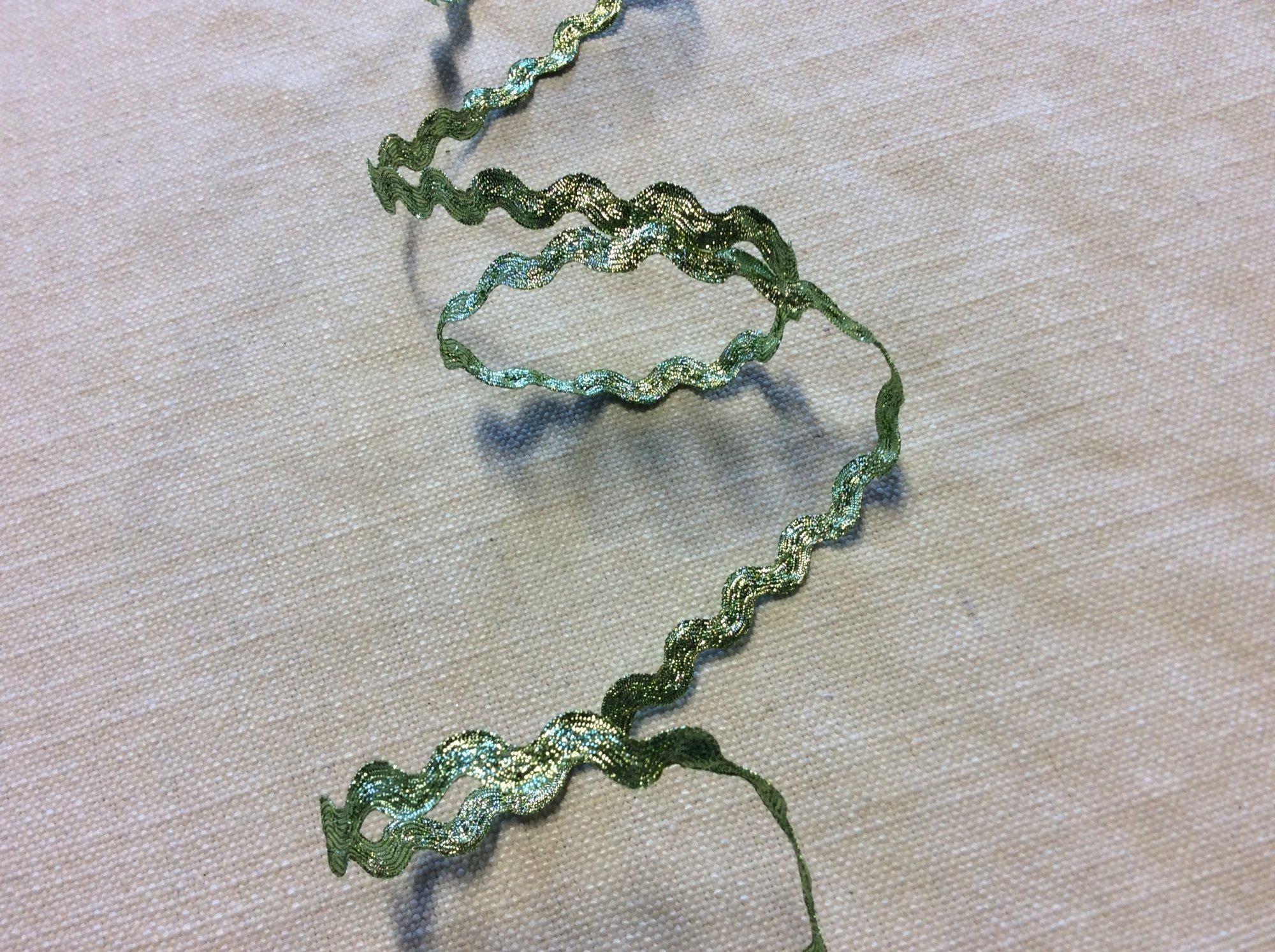 Metallic Green Ric Rac Trim Ribbon RIB0141