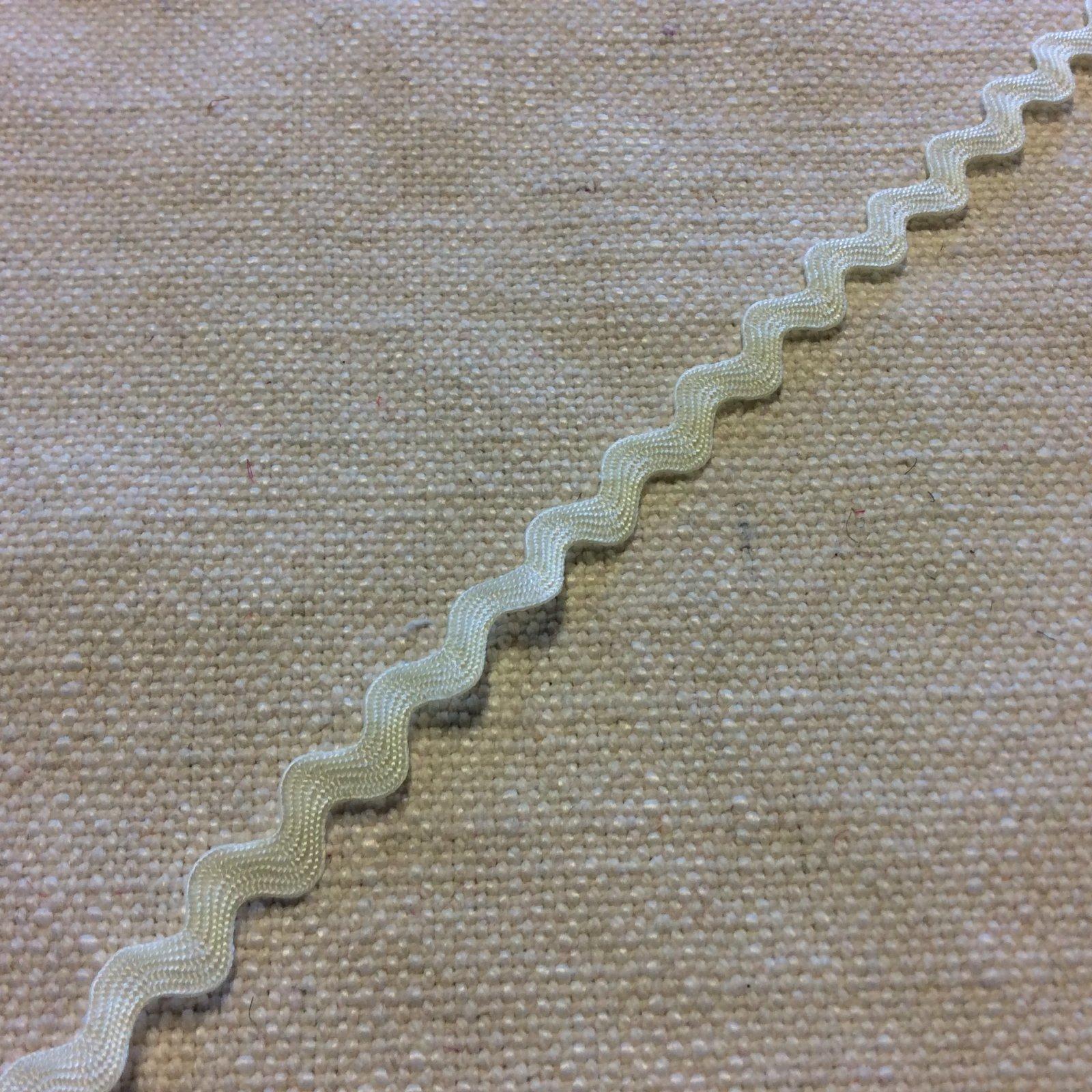 Ivory Off White 1/4 Wide Ric Rac Ribbon Trim RIB1338