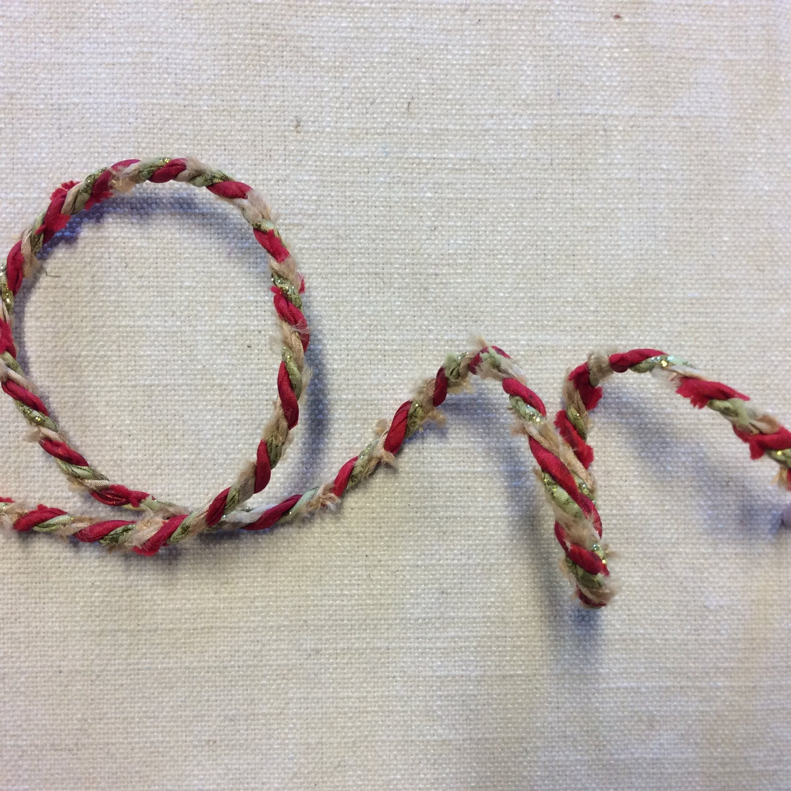 Wired Red Green and Gold Boucle Holiday Cord 1/4 Ribbon Decor Trim RIB1416