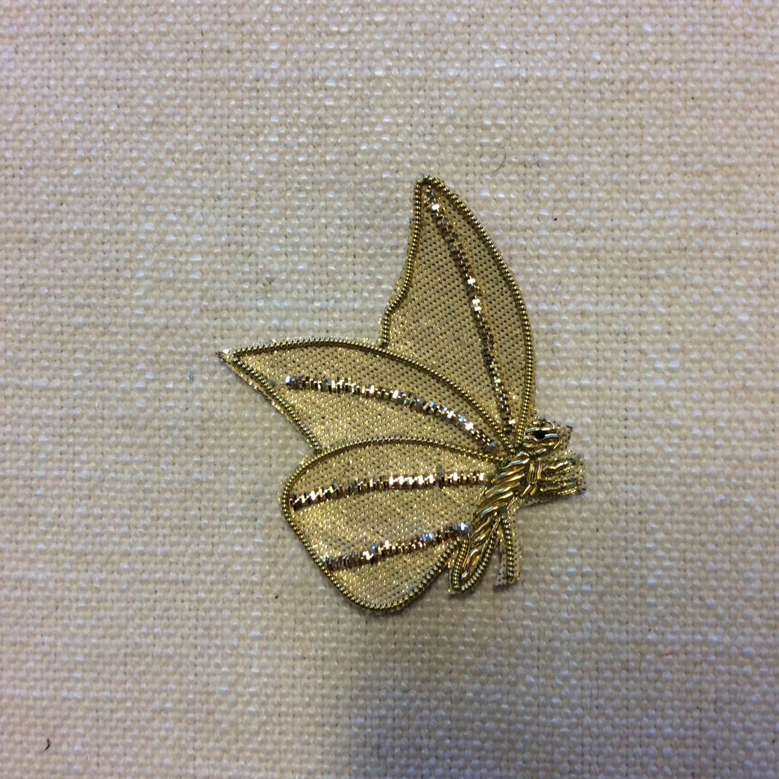 Luxury Gold Butterfly Moth Coiled Metallic Thread Glamour Sew-On Applique AP005