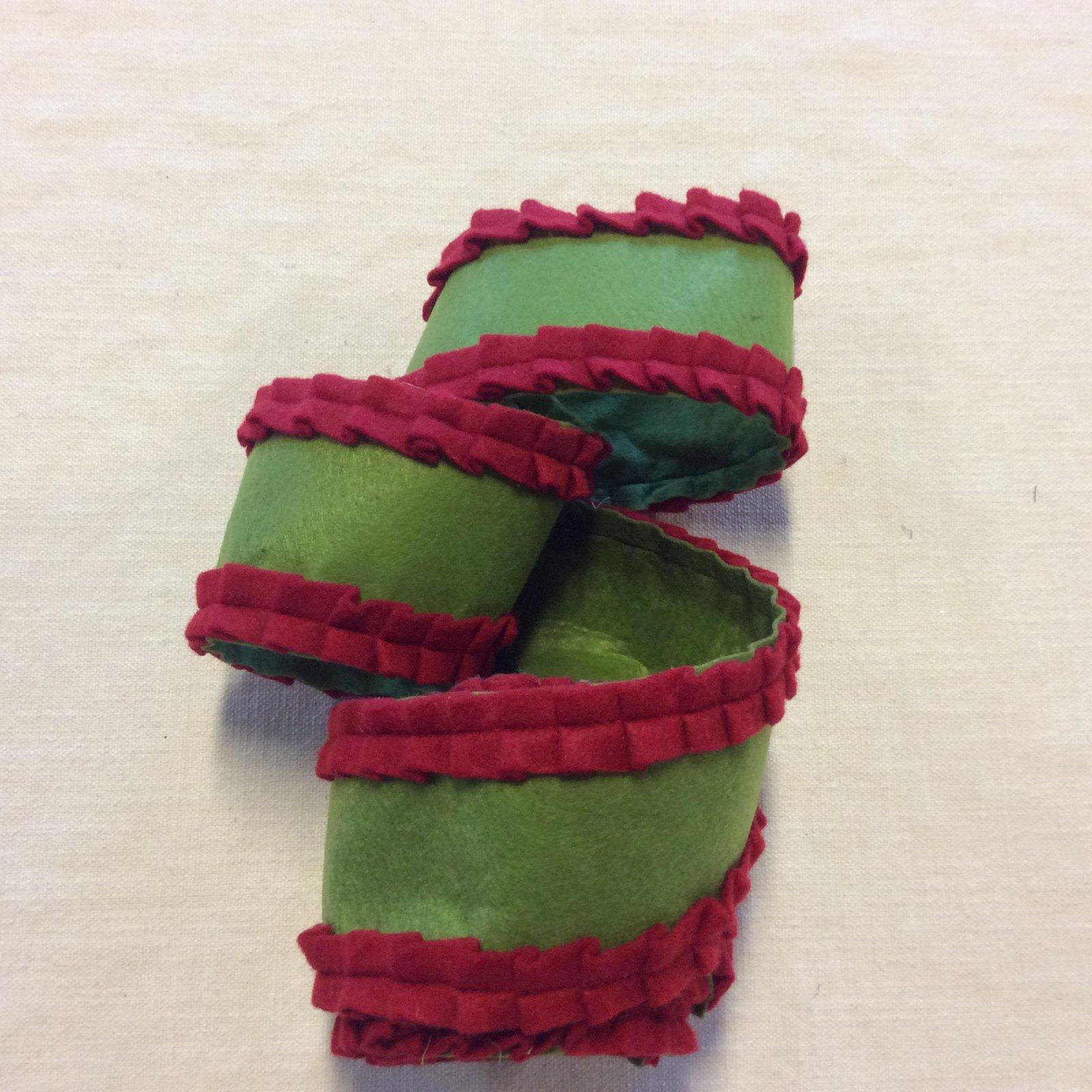Holiday Fun Poly Felt Red and Green Ruffle Apparel Ribbon Trim RIB1455