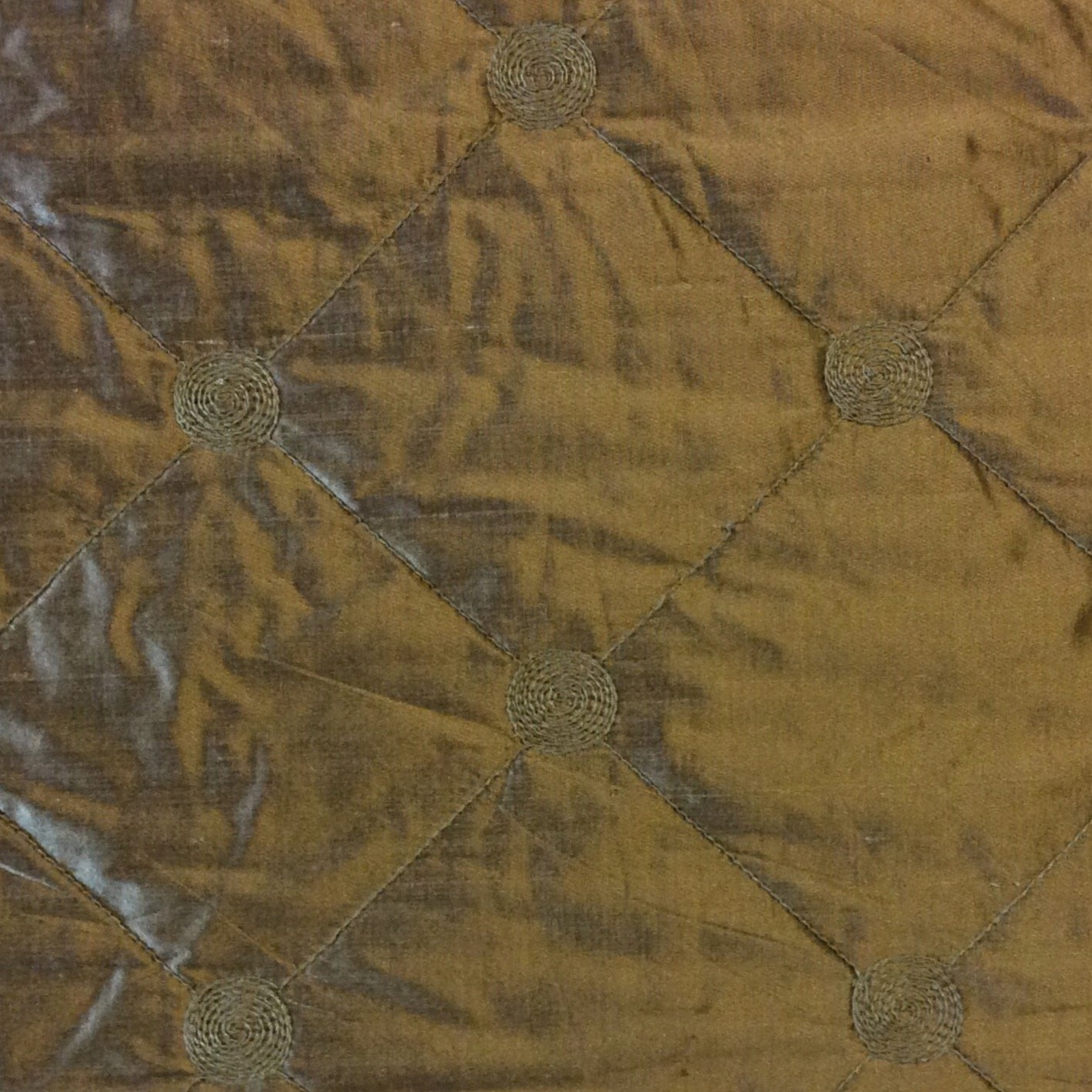 K125 Kravet Taupe Quilted Harlequin Silk Fabric Embroidered Scroll Disc Silk Fabric Drapery Fabric Upholstery Fabric