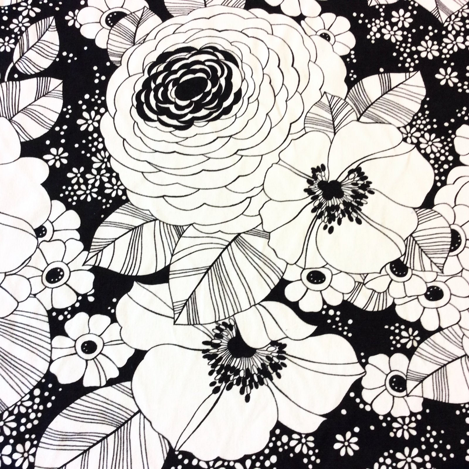 Floral Mod Black & White Floral Flower Garden Cotton Drapery Home Decor Fabric LHD117