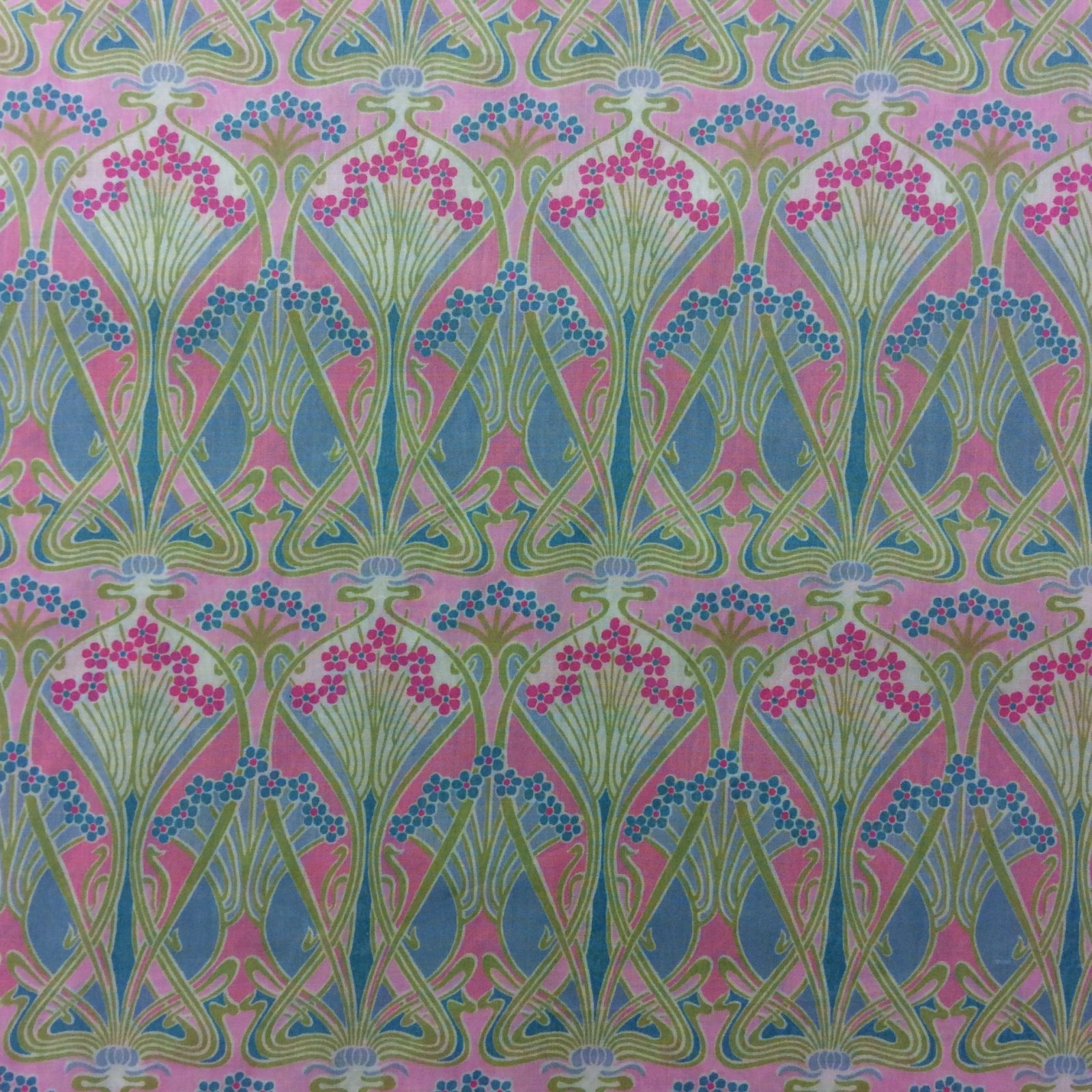 Liberty of London Pink Floral Cotton Apparel Lawn Fabric Fashion Fabric LL03