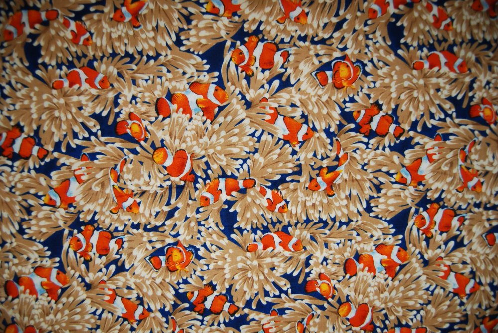L94  Clown Fish Ocean Coral Nemo Quilt Cotton Fabric
