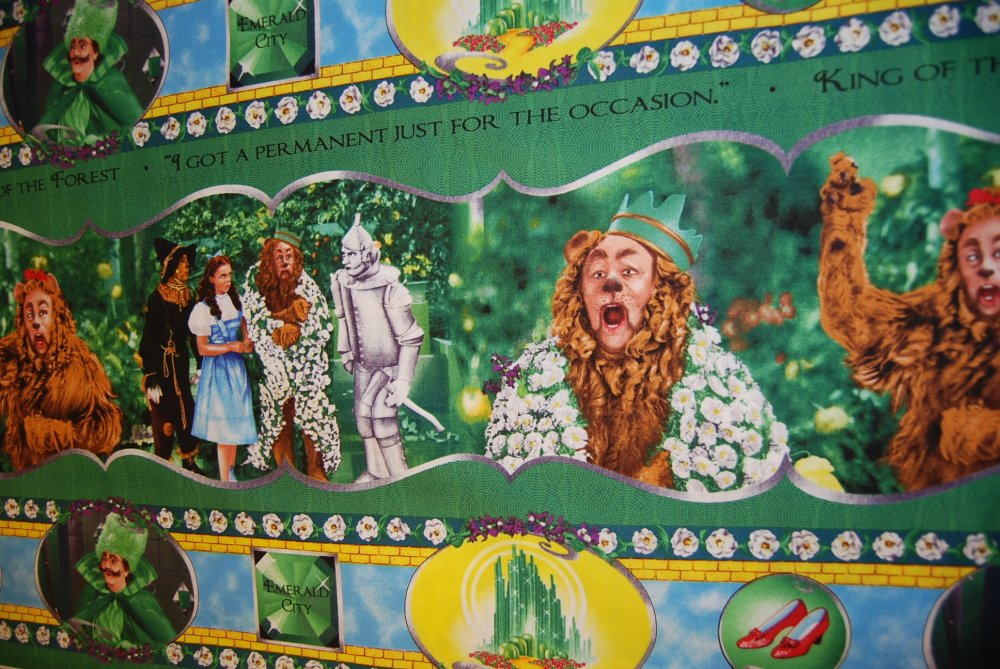Wizard Of Oz Cowardly Lion Dorthy Yellow Brick Road Cotton Quilting Panel CR176