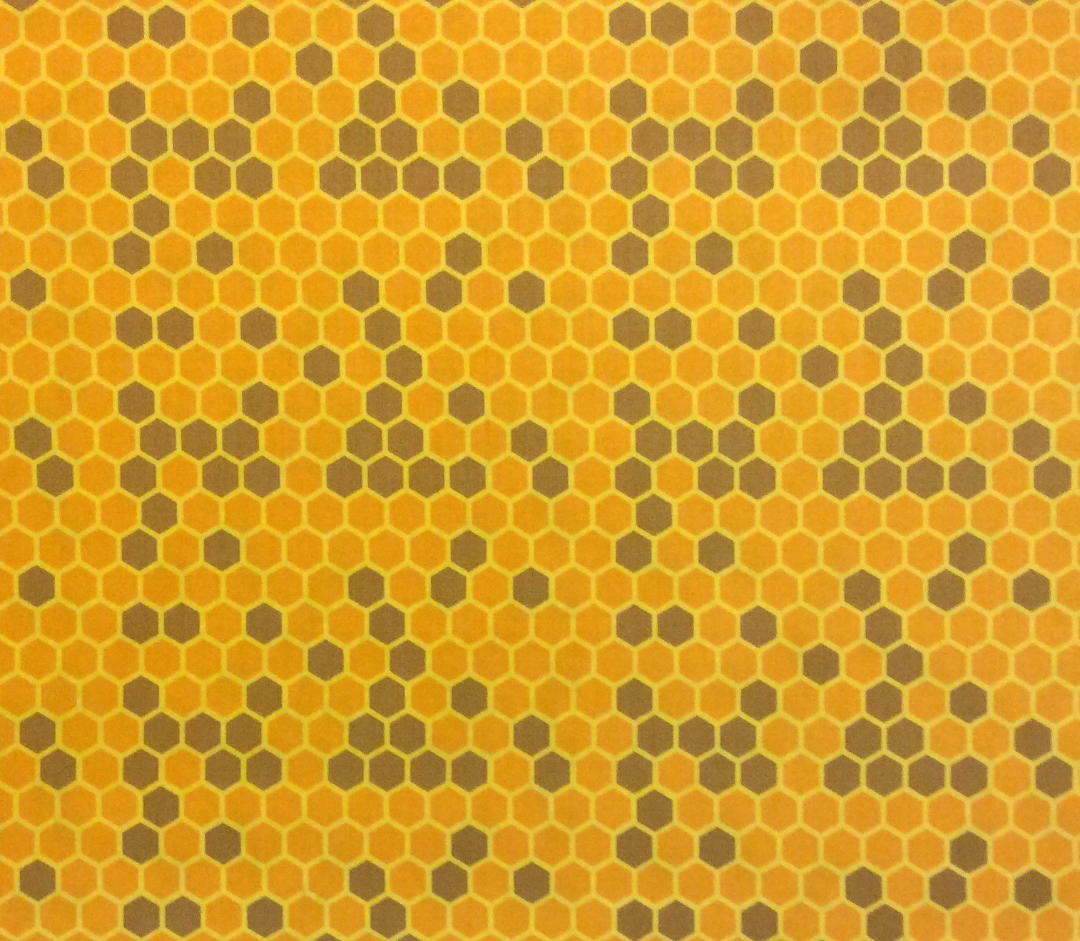 RK86 Honeycomb Urban Beekeeping Honey Bees Crafting Quilting Cotton Quilt Fabric