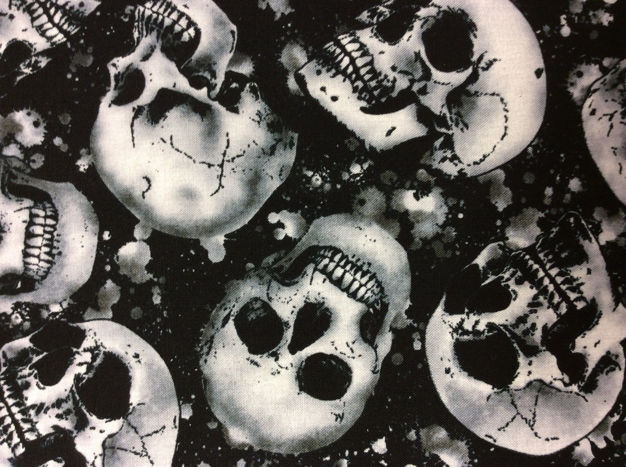 Uncategorized Scary Halloween Skulls goth horror skull blood scary halloween creep scream zombie dead cotton quilt fabric tt68