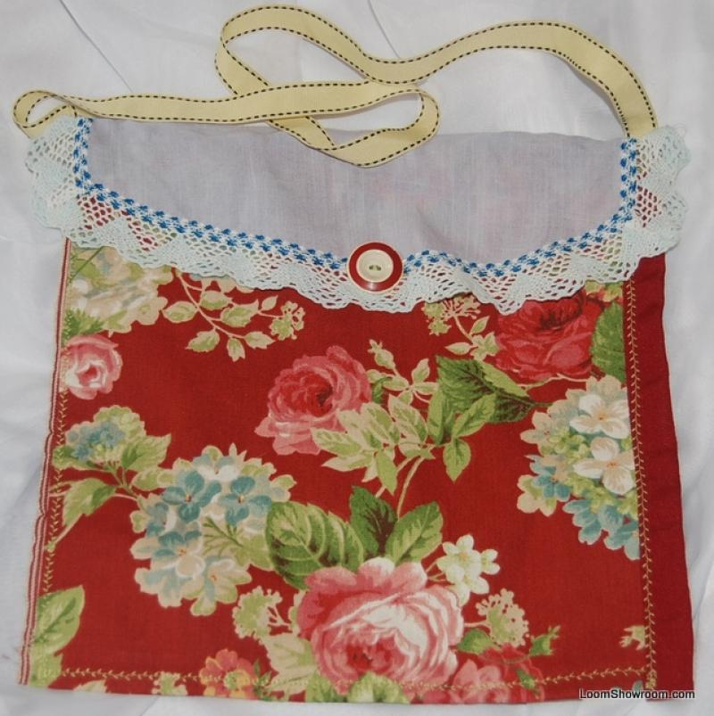 KCB09 English Country Barkcloth Scrap Pieced Hand Crafted Local Artist Tote Hand Bag Vintage Button Handle