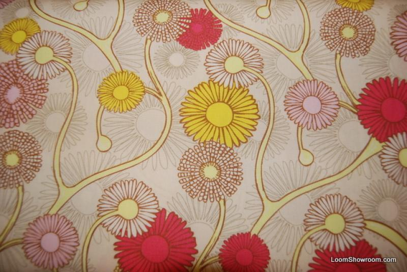 Q129 Retro Modern Daisy Flower Daisies and Vines Cotton Fabric Quilt Fabric