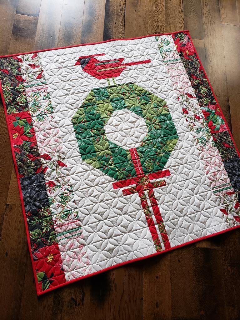 Cardinals Christmas Wreath Large Wall Quilt Kit