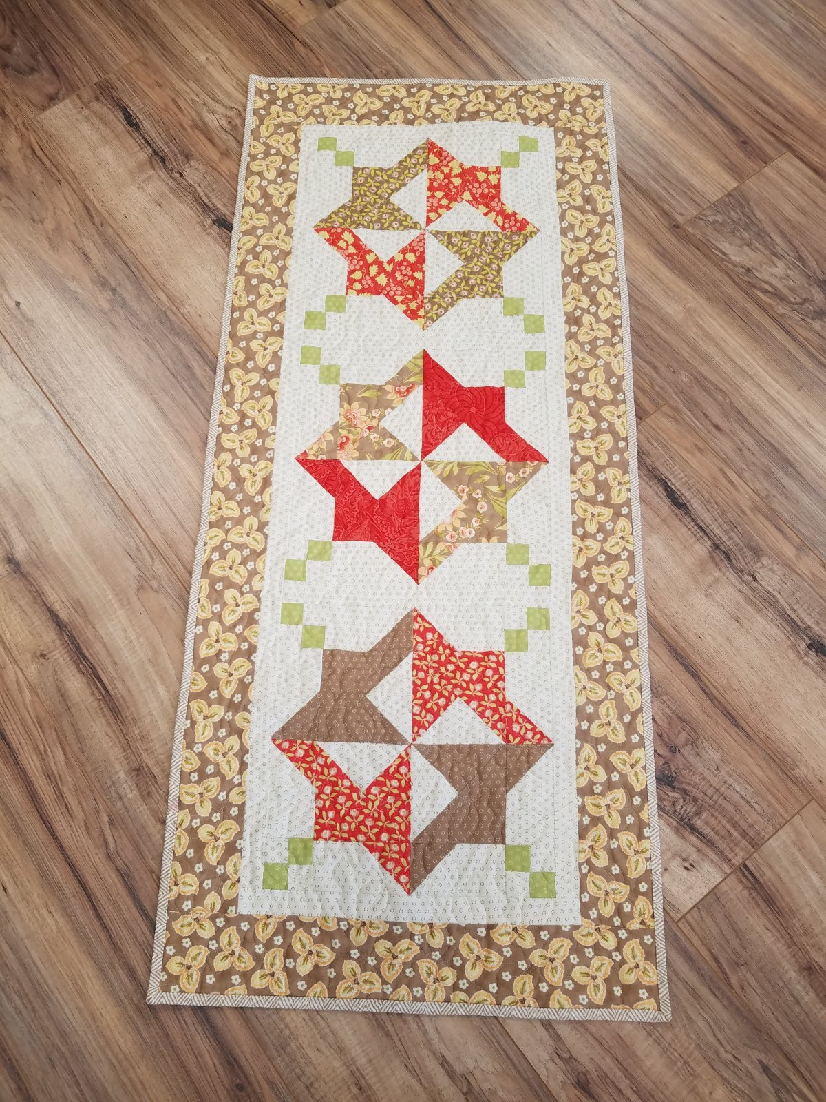 Medallion Table Runner Kit/Hazel Plum