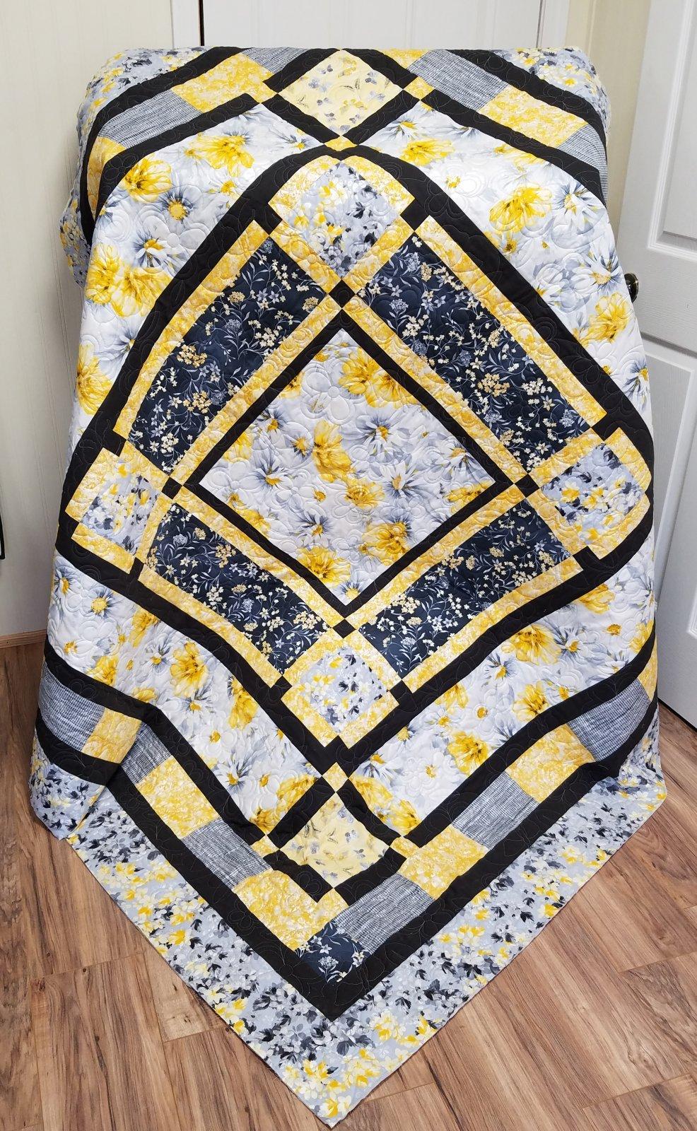 Town Square/Limoncello Quilt Kit