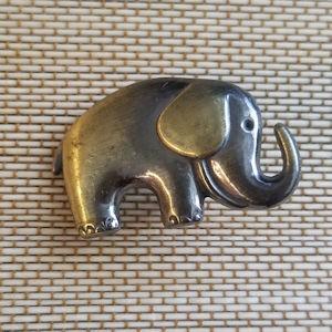 Metal Elephant Button