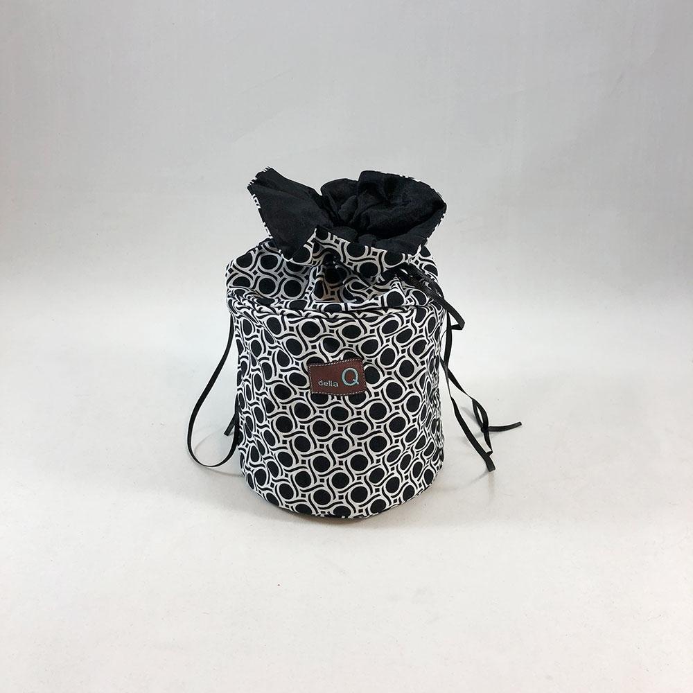 Della Q Pippa Yarn Dispenser