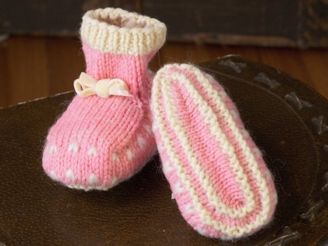 Appalachian Baby Thrum Mittens and Booties Kit