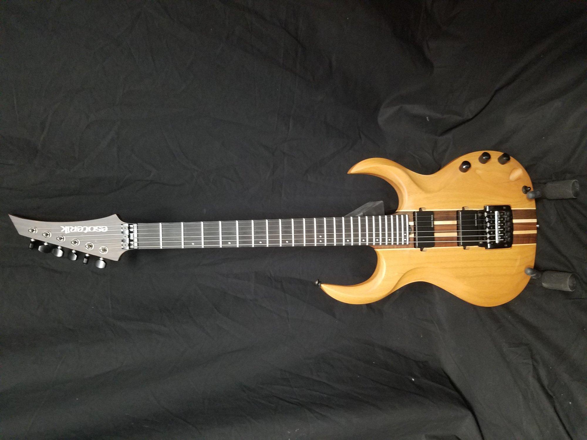 Used Esoterik DR3 Electric Guitar w/Hardshell Case