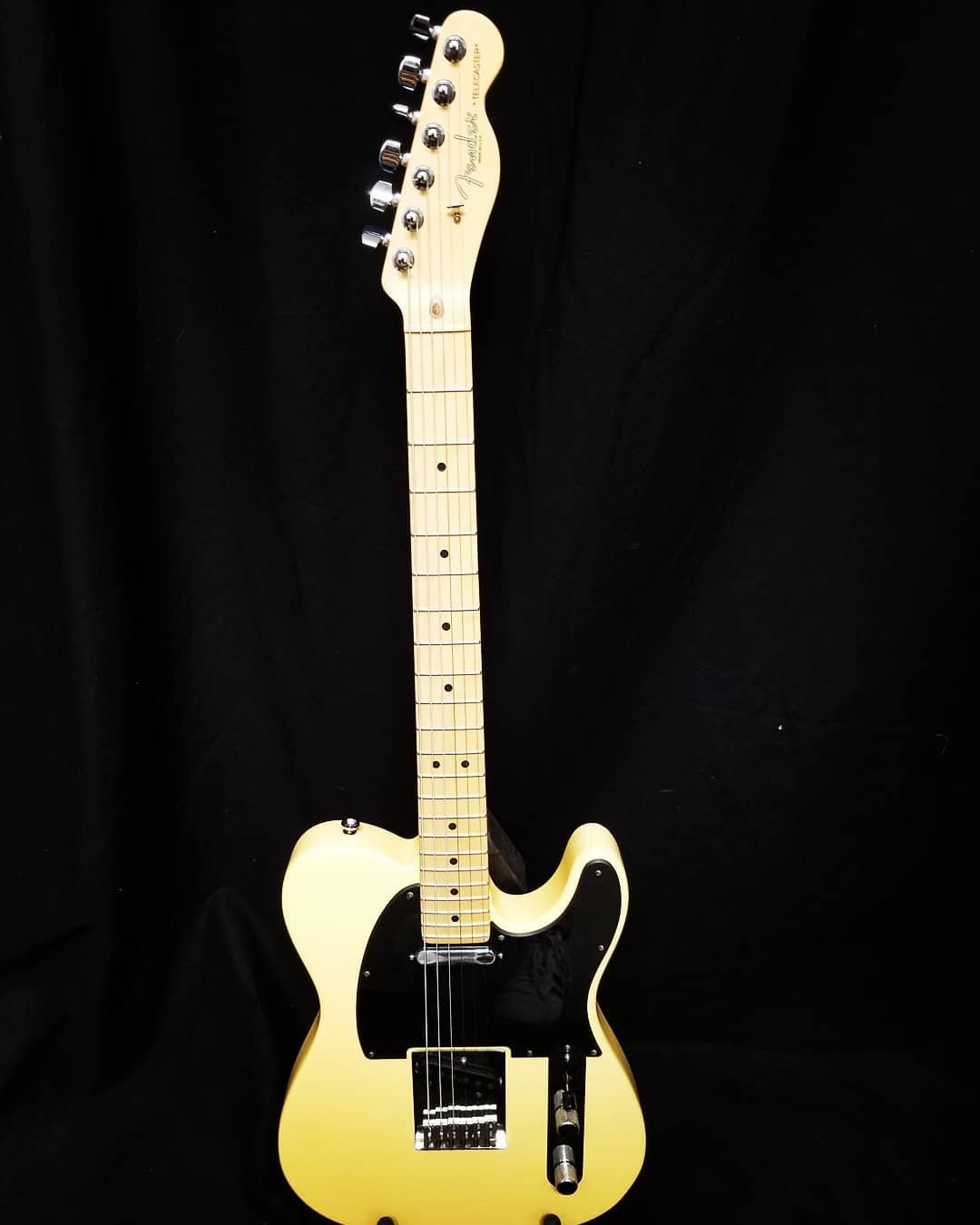 Used (Consignment) Fender American Standard Telecaster (05'-06')