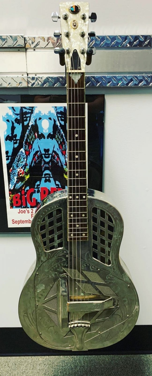 Used (Consignment) Resonator Guitar with Hardshell case