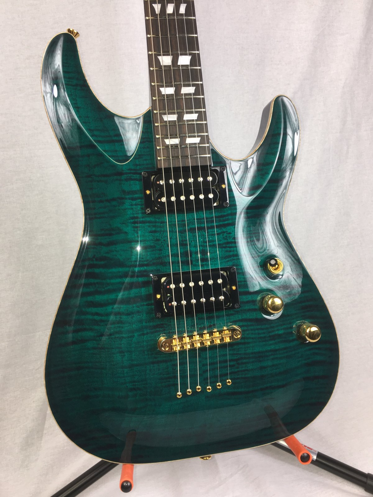 Schecter USA Hollywood Classic - Black Aqua