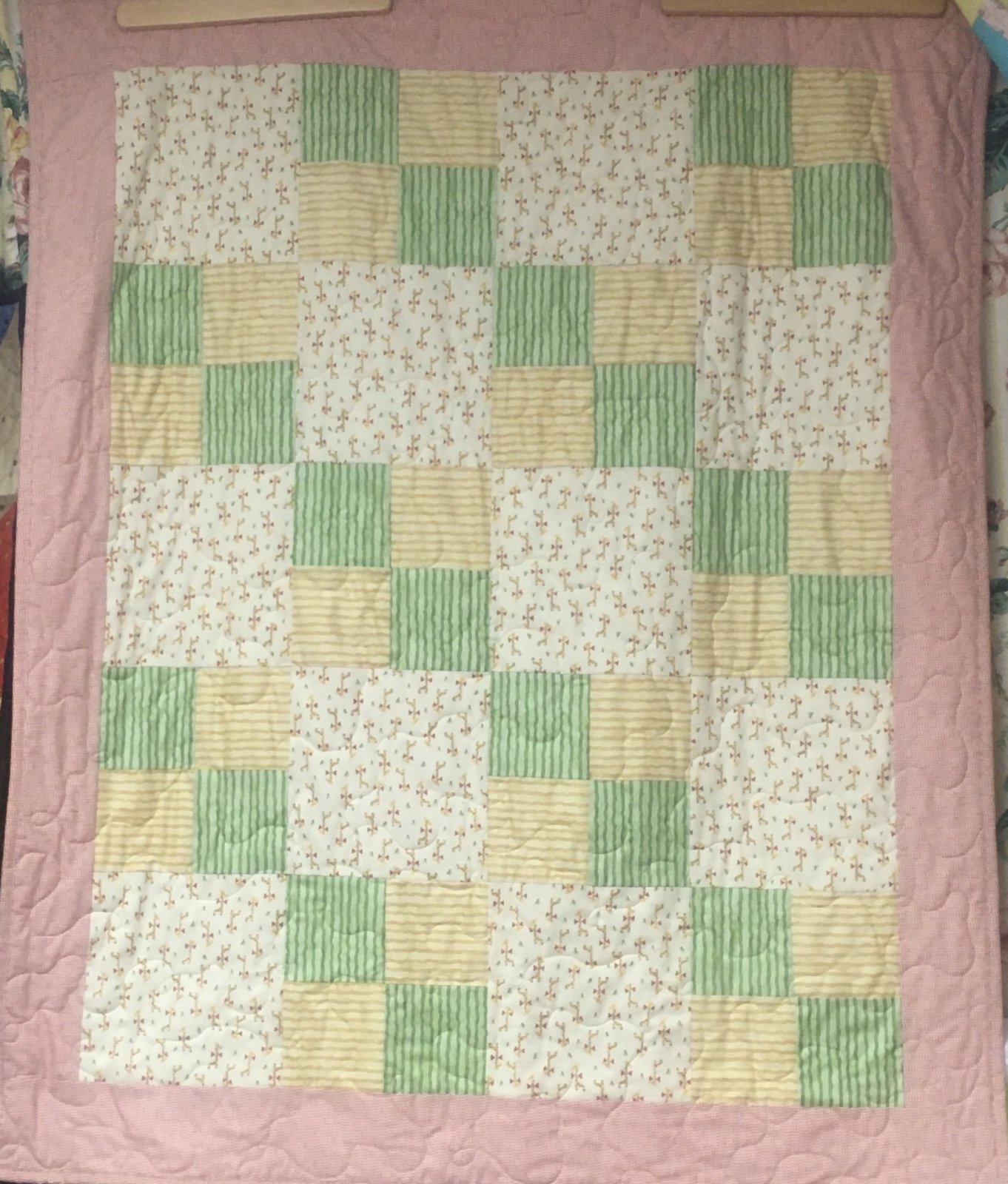 Baby Giraffe Quilt Kit 39 x47