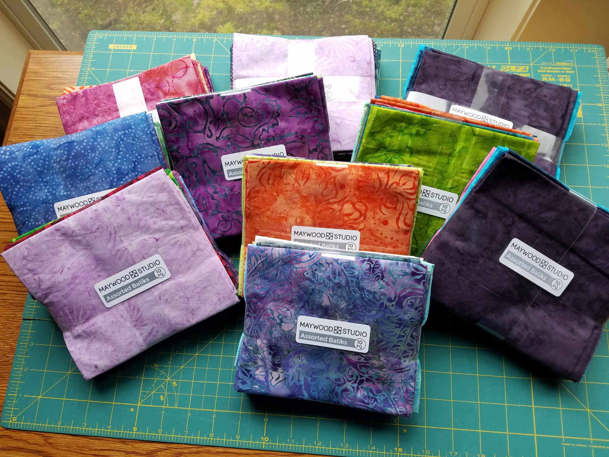 Assorted Batiks - Fat Quarters 10 Pack