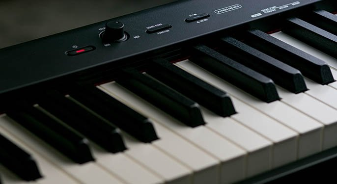 The CDP-S150 delivers natural piano sound and feel in a slim case that's barely larger than the keys themselves. Weighing only 23.1lbs and capable of running on either its included power supply or AA batteries, the CDP-S150 provides unprecedented portability and convenience.