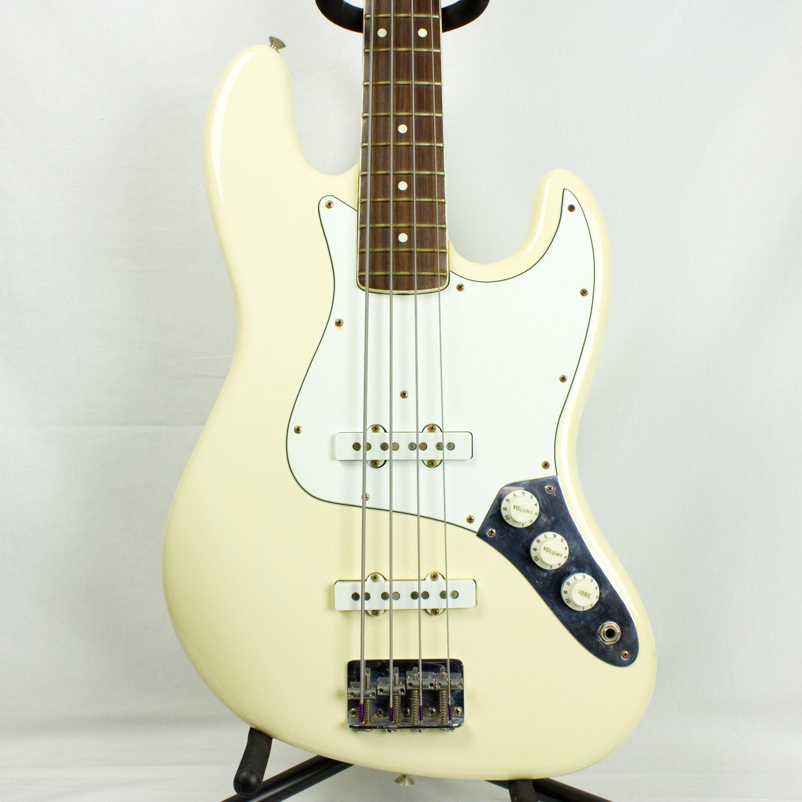 1983 Fender Jazz Bass, Olympian White, w/Case (USED)