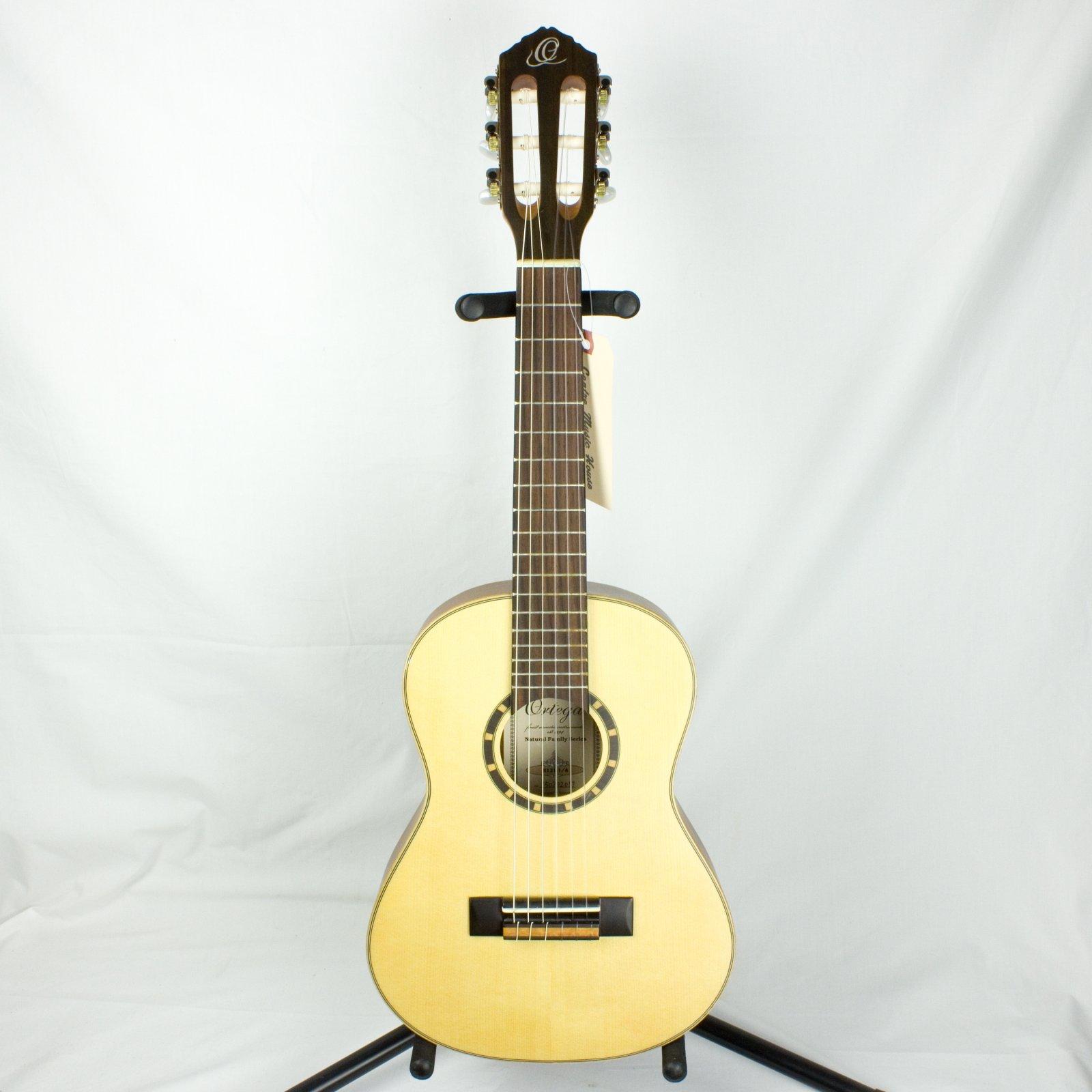 Ortega Family Series R121-1/4 Classical Guitar, 1/4 Size (USED)