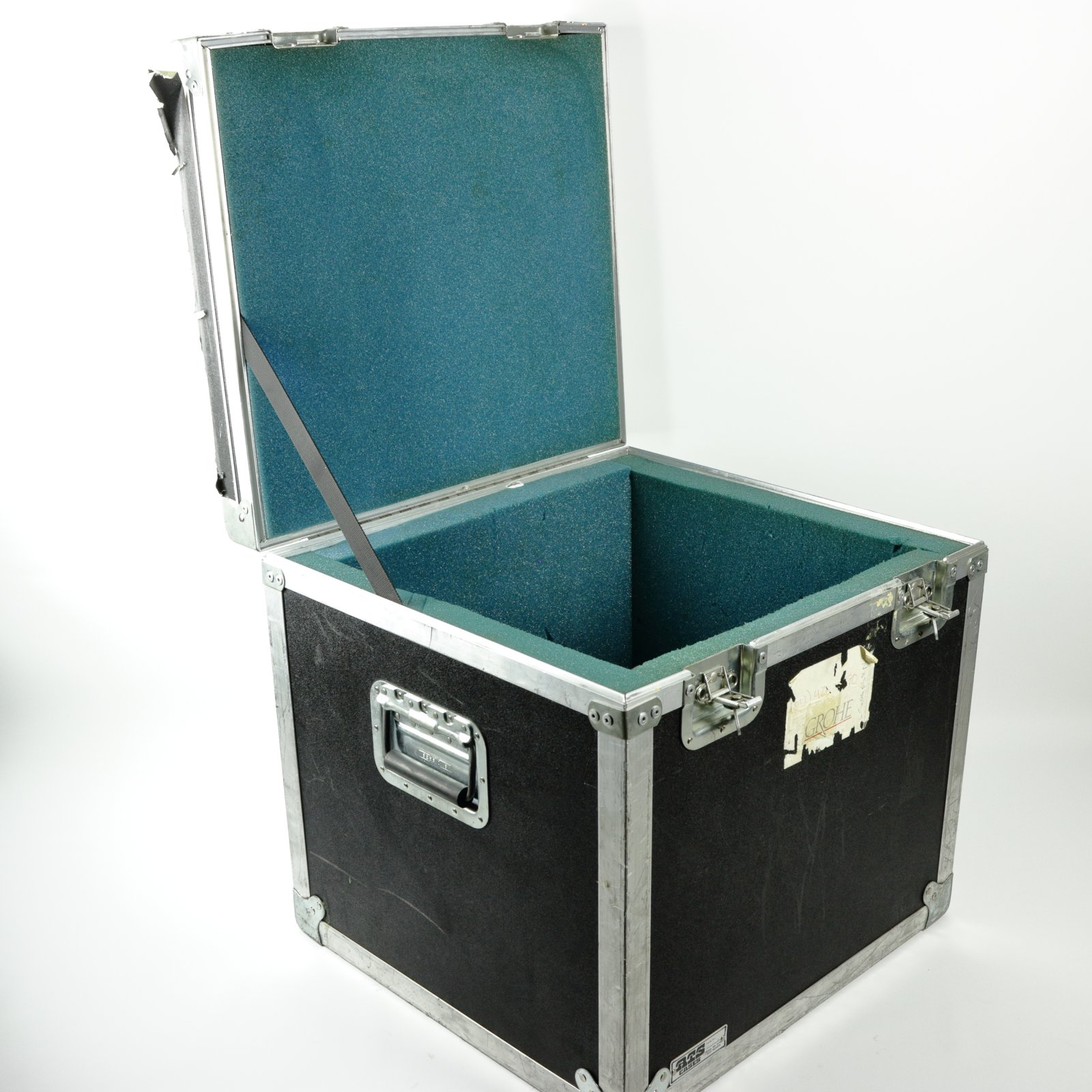 ATS Cases Flight Case, 14.75x14.25x16.25 ID