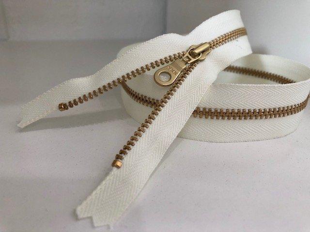20 Zipper (Cream)