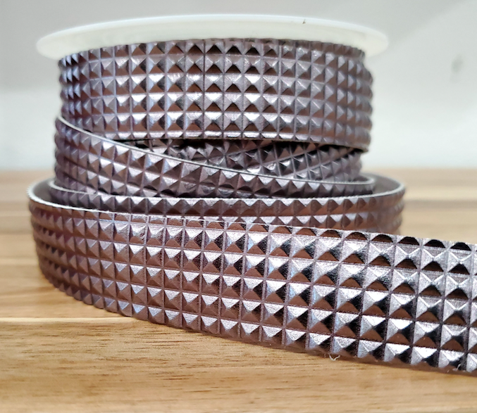 Strass Looking Trim  25mm (.984 inches) Gunmetal