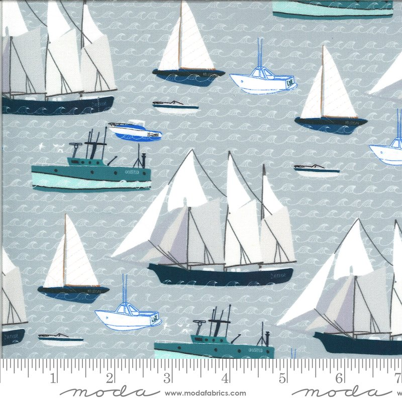 Lakeside Story   Boats in Lake Effect