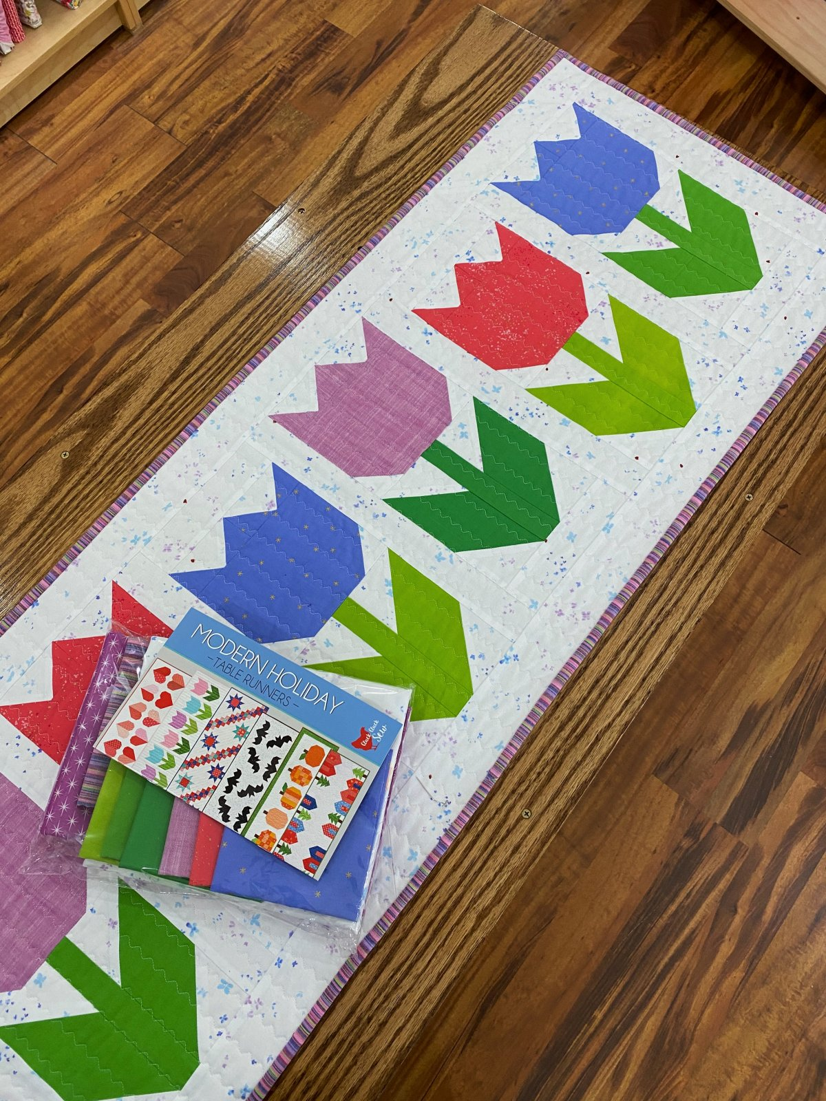 Modern Holiday Table Runners | Spring Tulips Kit