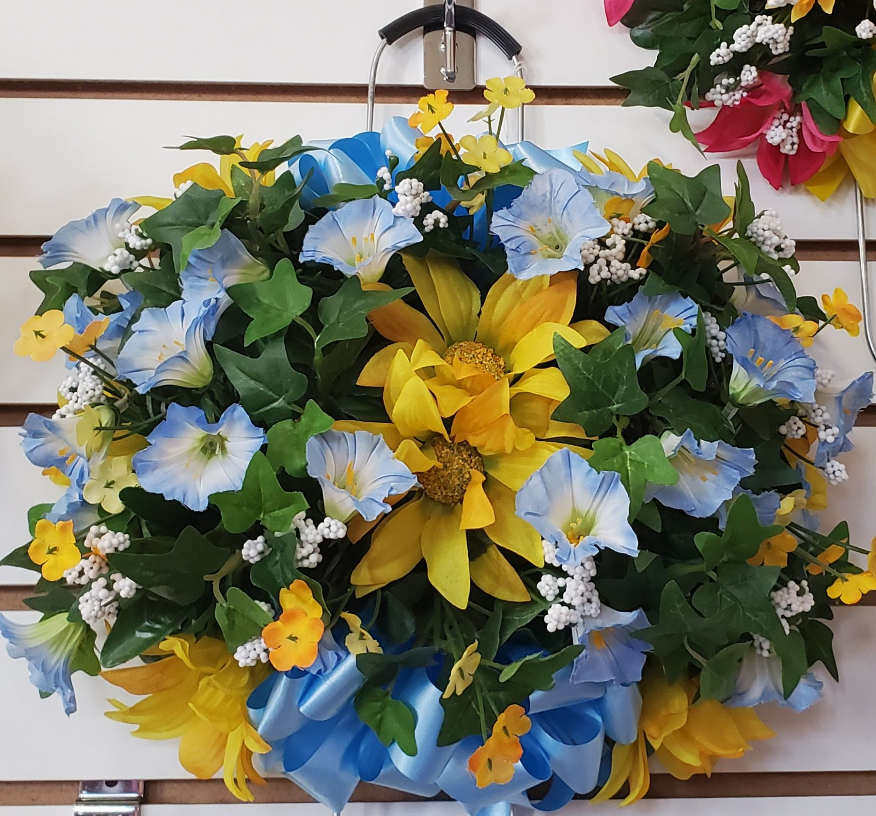 Small memorial grave stone saddle - blue/yellow