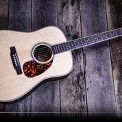 Larrivee D-40RW-O Acoustic Guitar w/Case