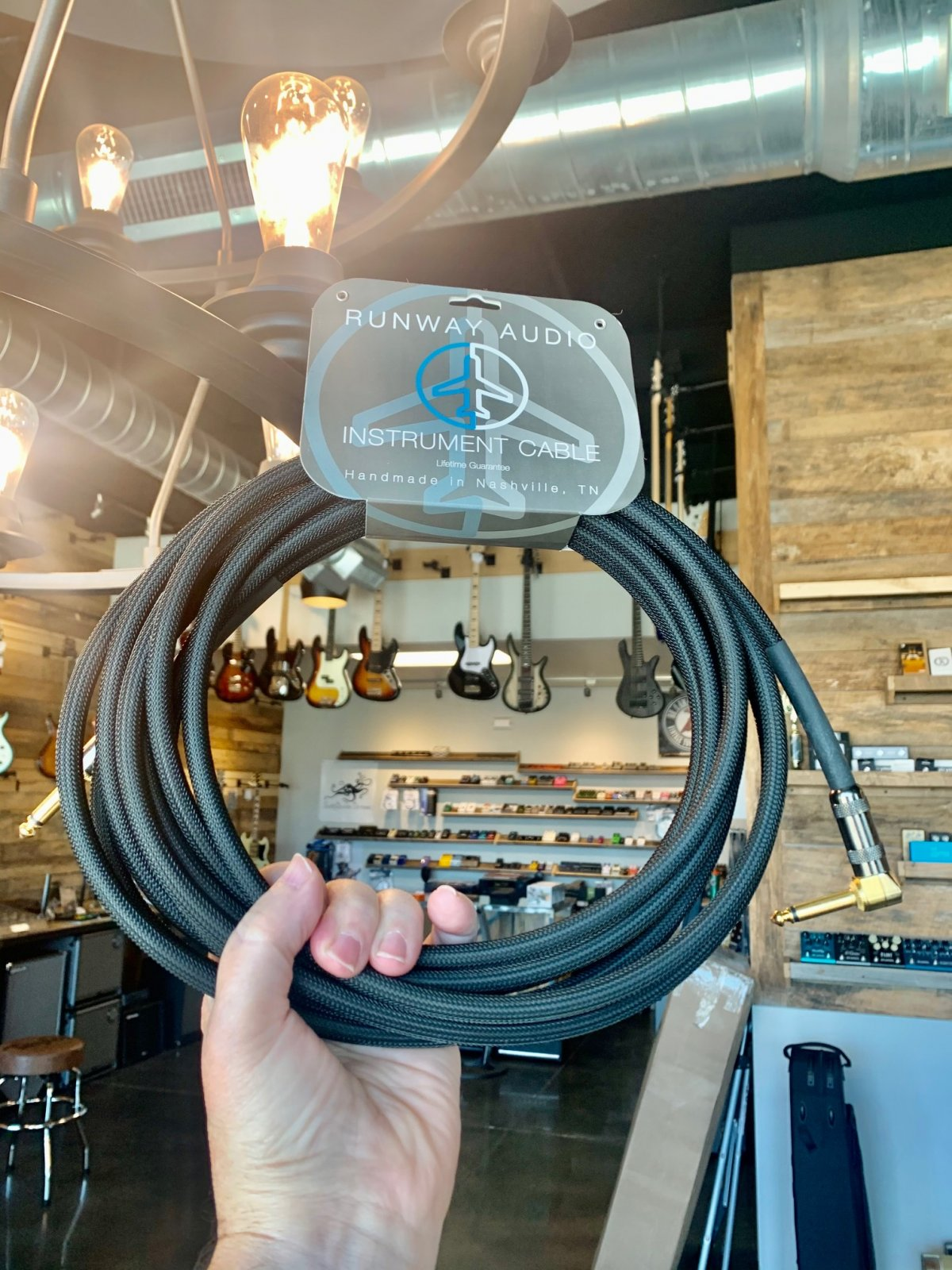 Runway Audio 10 Ft. St-St Cable in Black