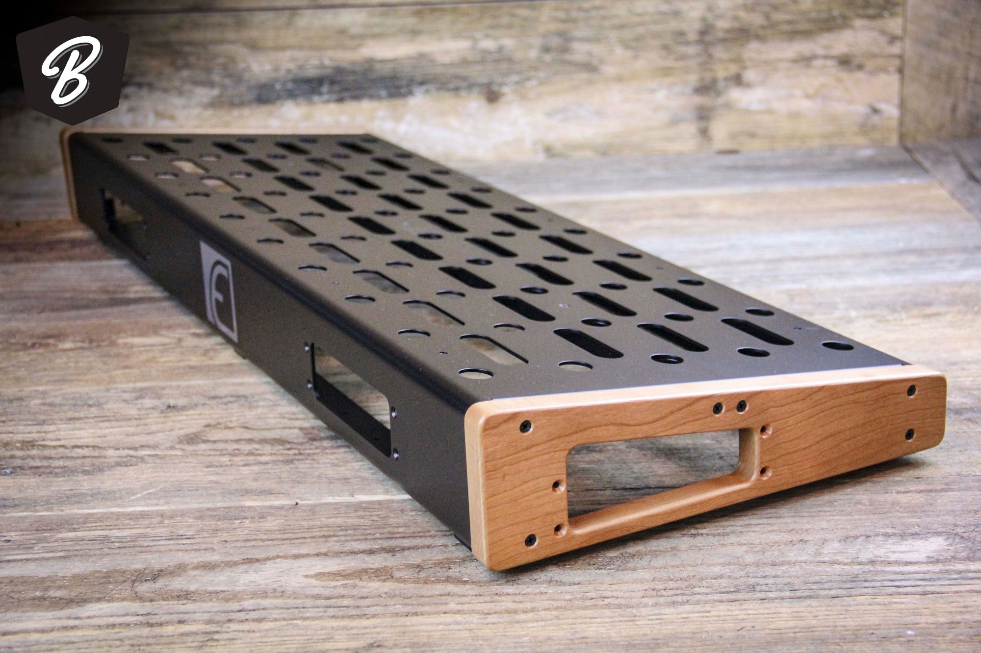 EMERSON - 12X32 PEDALBOARD - LARGE
