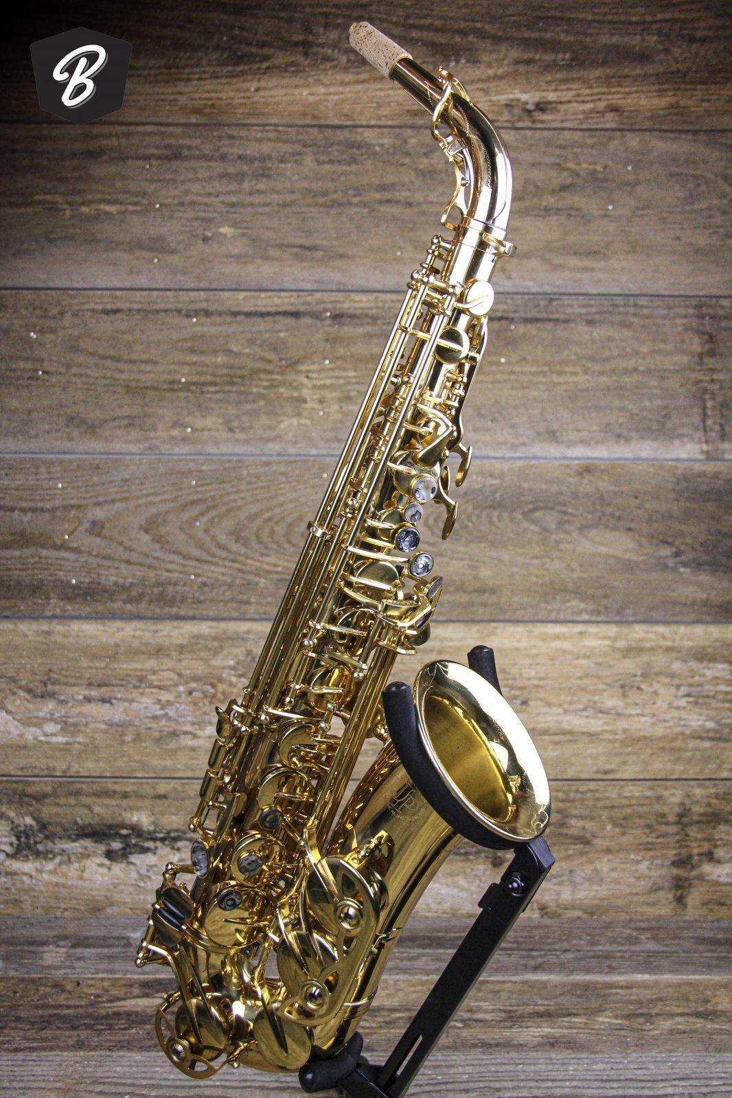 JP045G Eb Alto Saxophone w/Case