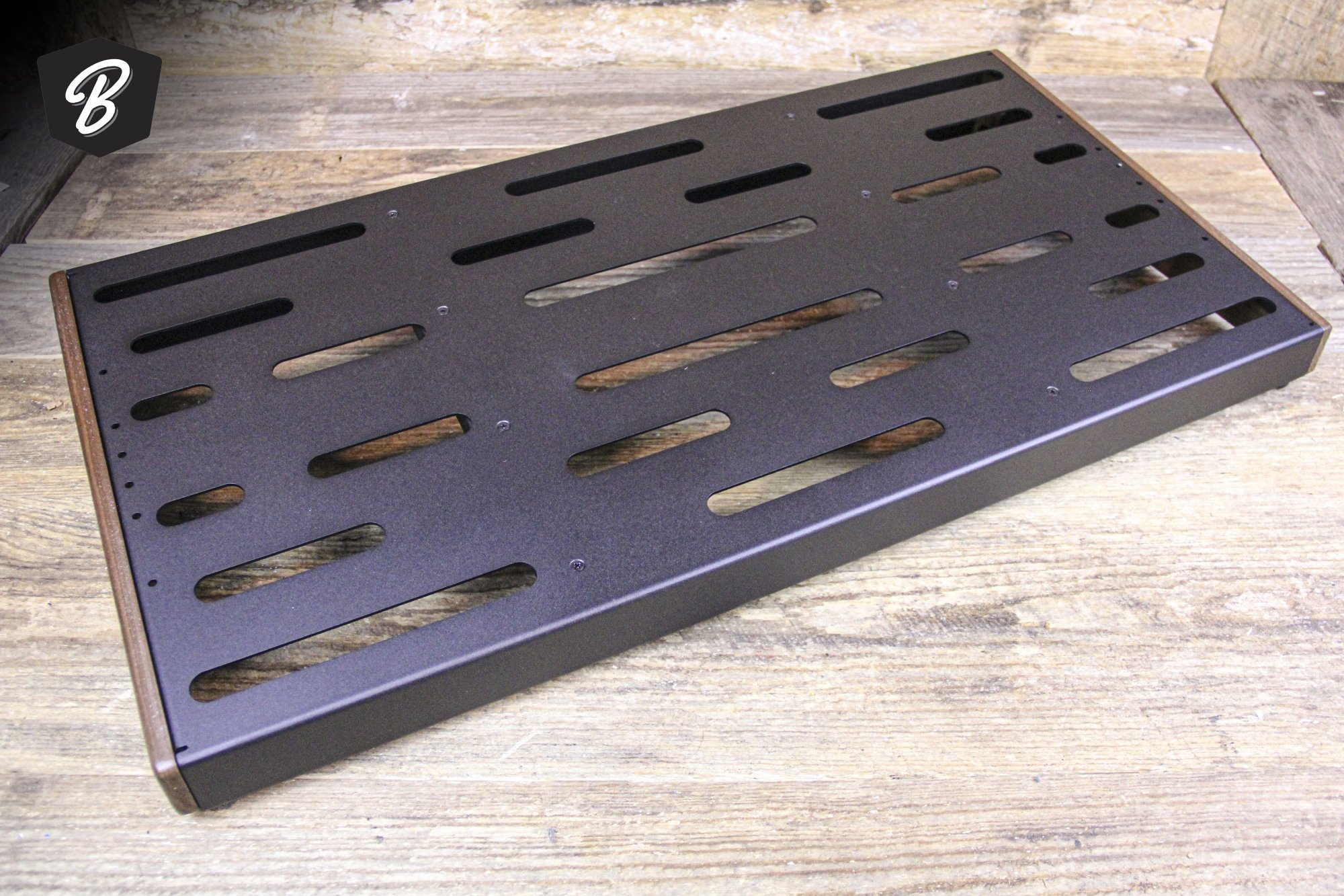 Creation Music Company 32 x 16 Elevation Series V2 PedalBoard